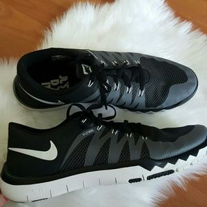free shipping b12e5 ca637 Men Nike Free Trainer 5.0 Shoes on Poshmark